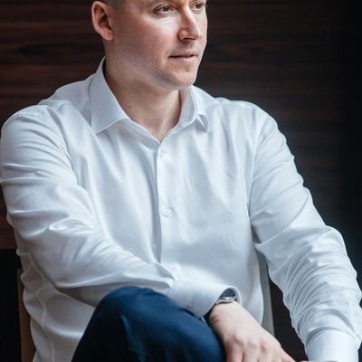 Данил Снисаренко