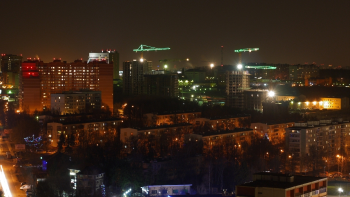 Kommunarka at night